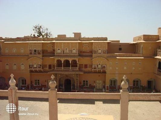 Chomu Palace 4