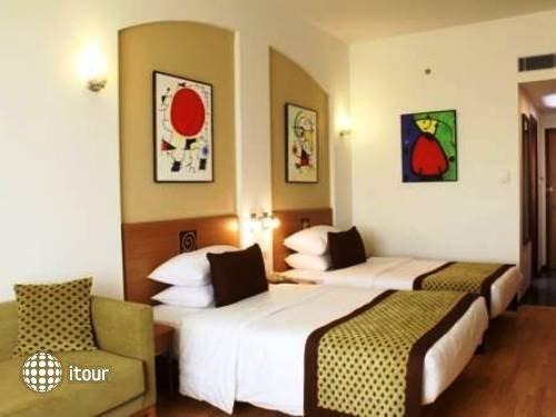Lemon Tree Hotel Electronics City Bengaluru 9