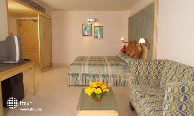 Ashraya International Hotel 5