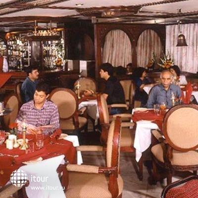 Ashraya International Hotel 7