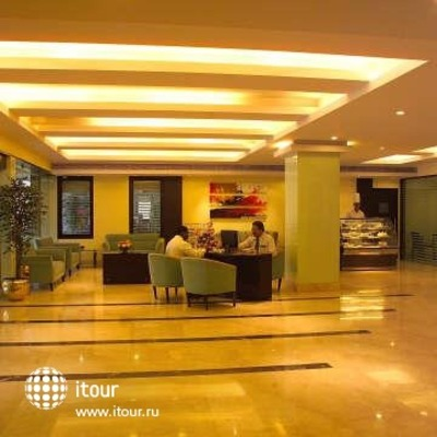 Ashraya International Hotel 9