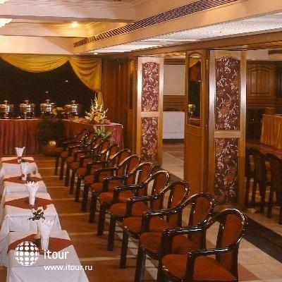 Ashraya International Hotel 10