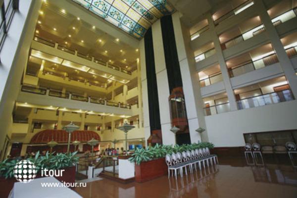 The Atria Hotel 7