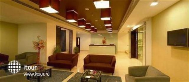 Ramada Hotel Bangalore 8