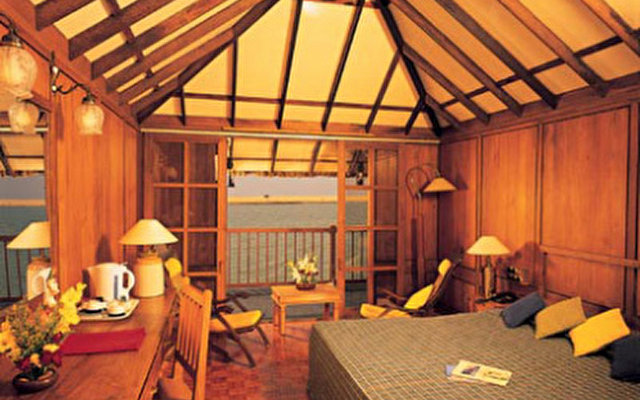 Poovar Island Resort  8