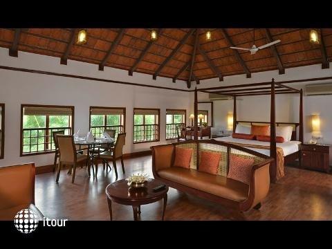 Estuary Island Resort 7