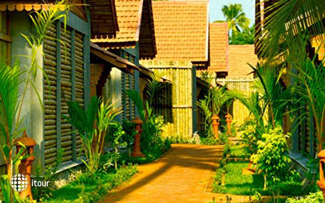 Abad Whispering Palm Lake Resort 6