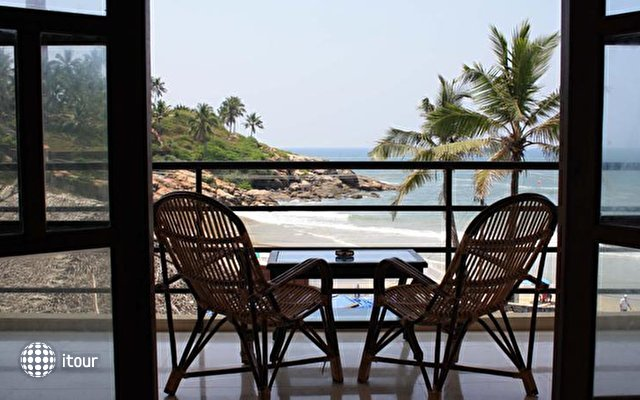 The Ocean Park Beach Resort 3