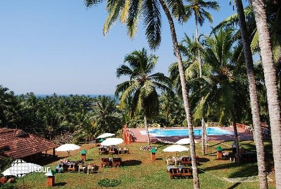 Kadaloram Beach Resort 4