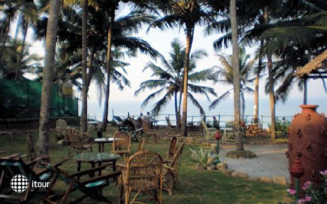 Krishnatheeram Ayur Holy Beach Resort 5