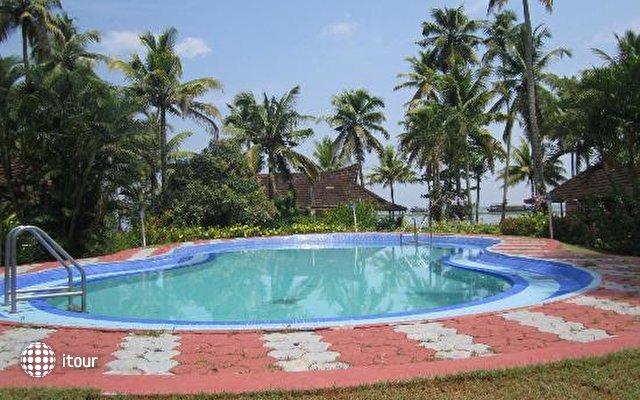 Kayaloram Heritage Lake Resort 1