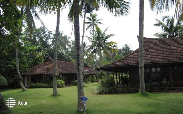 Kayaloram Heritage Lake Resort 2