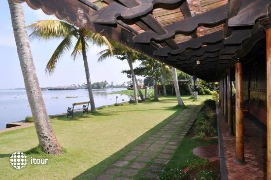 Kayaloram Heritage Lake Resort 5