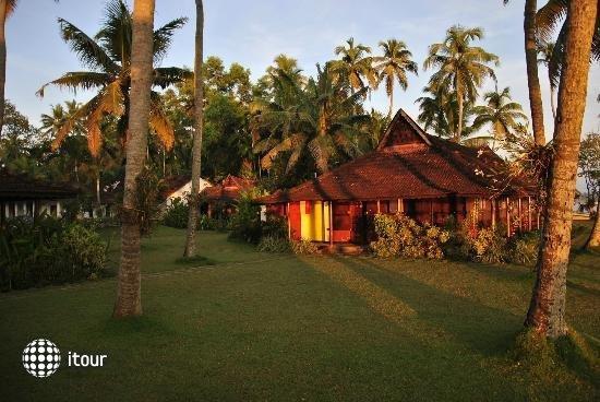 Kayaloram Heritage Lake Resort 6