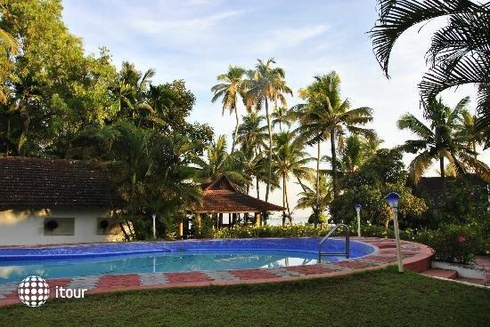 Kayaloram Heritage Lake Resort 8