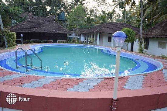 Kayaloram Heritage Lake Resort 10