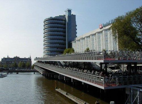 Ibis Amsterdam Centre 1
