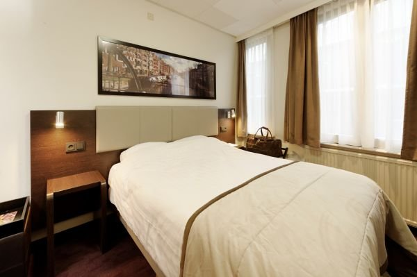 Best Western Dam Square Inn 7
