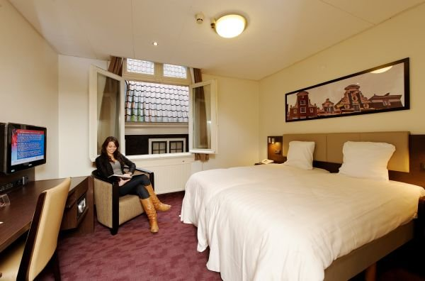Best Western Dam Square Inn 8