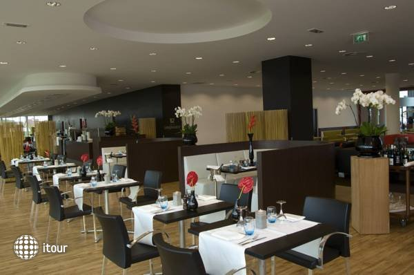 Park Plaza Amsterdam Airport 3