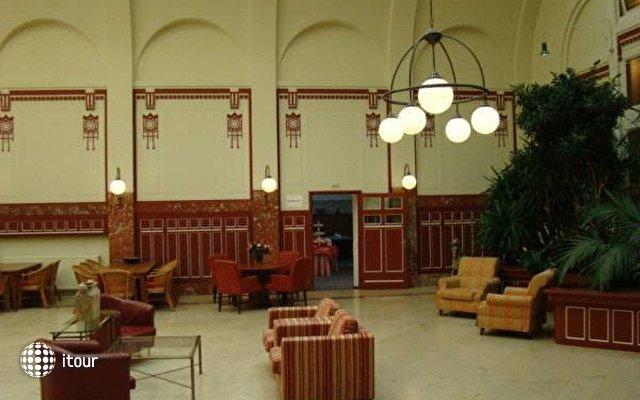Rho Hotel 2