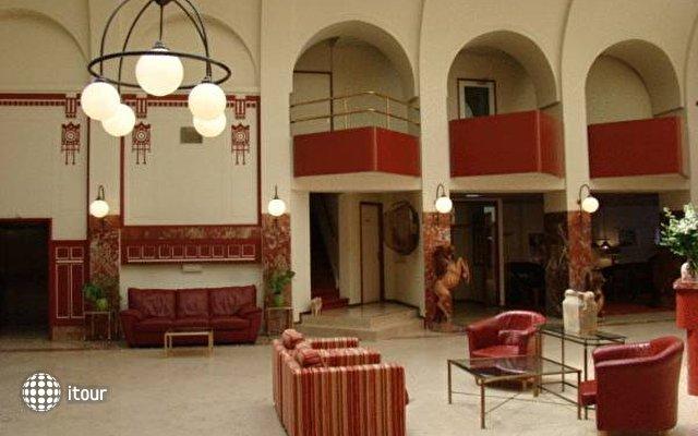 Rho Hotel 5