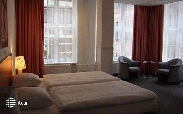 Rho Hotel 6