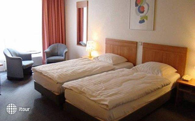 Rho Hotel 7