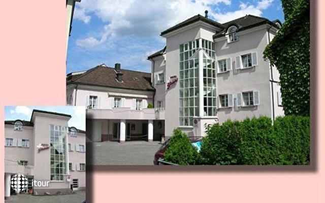 Schweizerhof 1