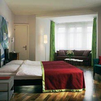 Top Hotel Waldstatterhof 9