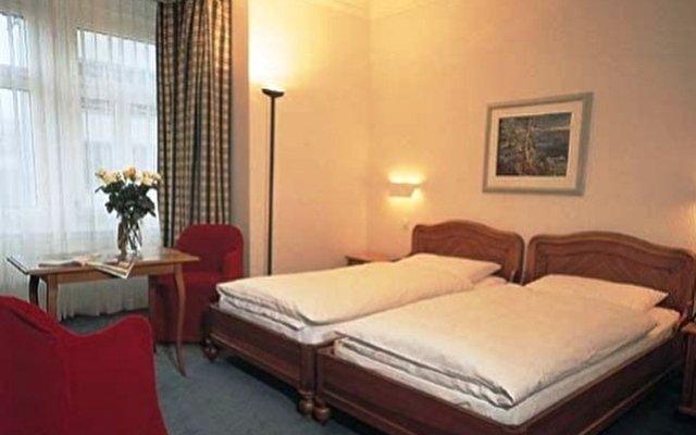 Top Hotel Waldstatterhof 8