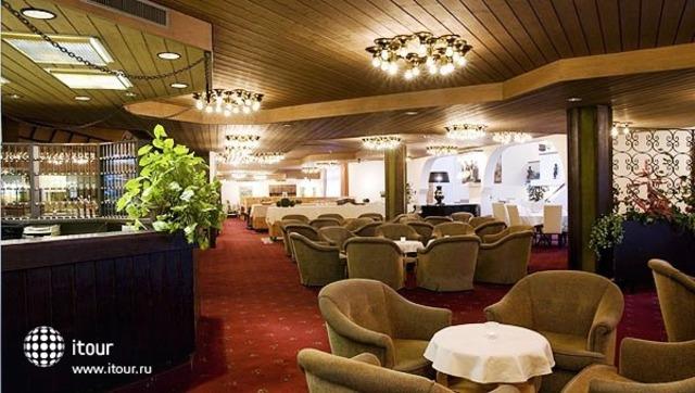 Davos Club Hotel 3