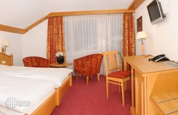Excelsior Hotel 6