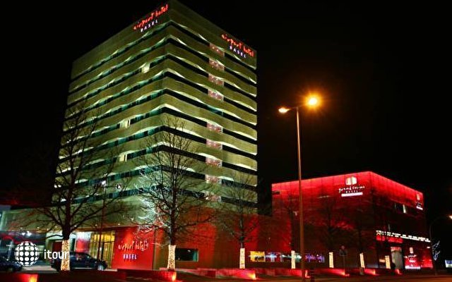 Airport Hotel Basel 1