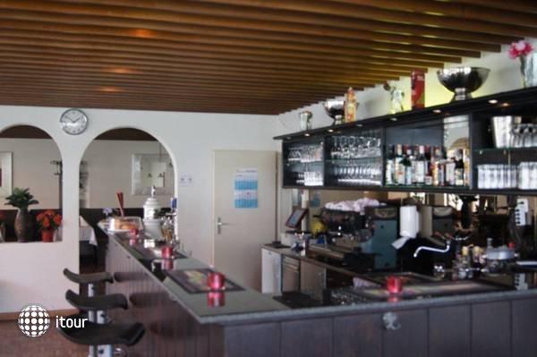 Balegra Hotel 9