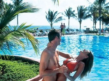 Riu Caribe 10
