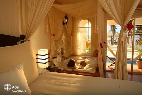 Hidden Beach Resort 2