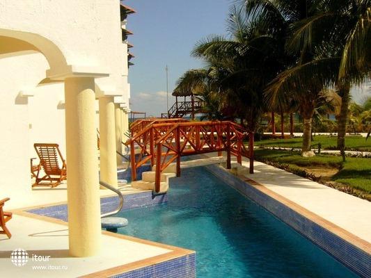 Hidden Beach Resort 9