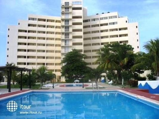 Calypso Hotel Cancun 1