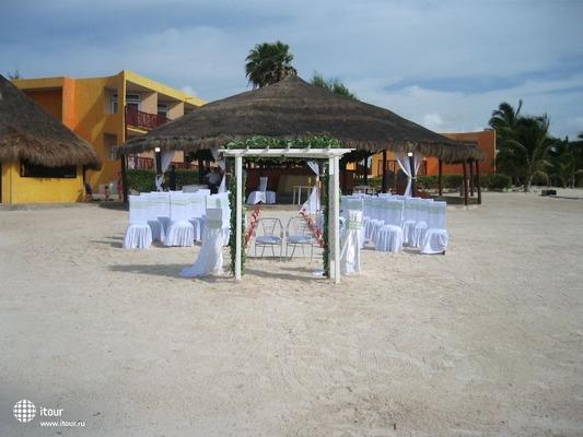 Akumal Beach Resort 3