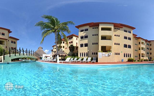 Cancun Clipper Club 1