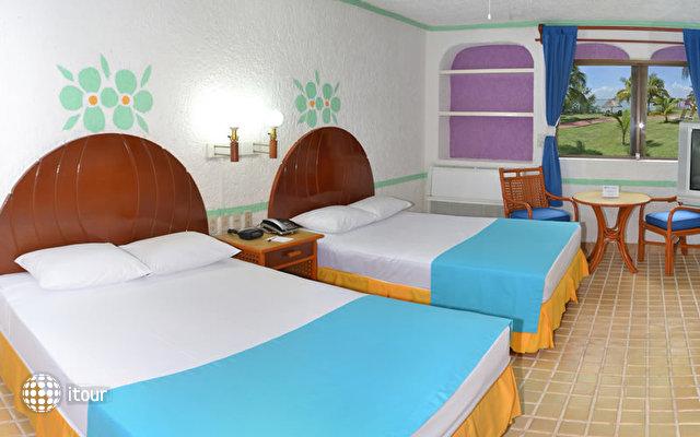 Cancun Clipper Club 9