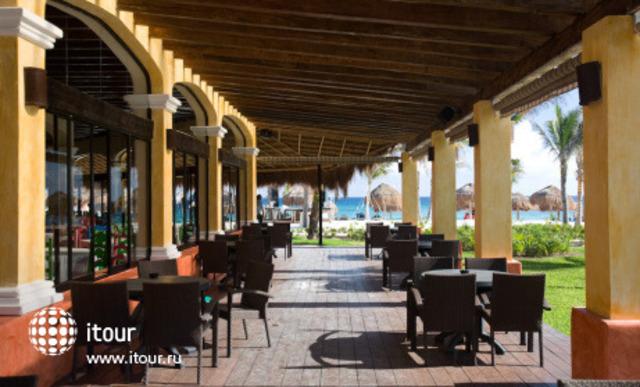 Catalonia Yucatan Beach Resort & Spa 6