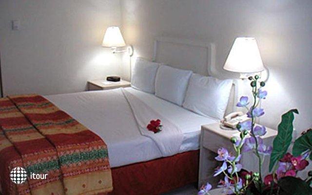Holiday Inn Express Pok-ta-pok 4