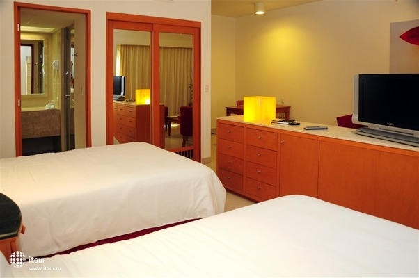 Ambiance Suites Cancun 1