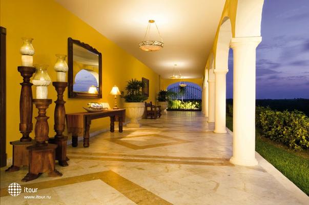Secrets Capri Riviera Cancun 9