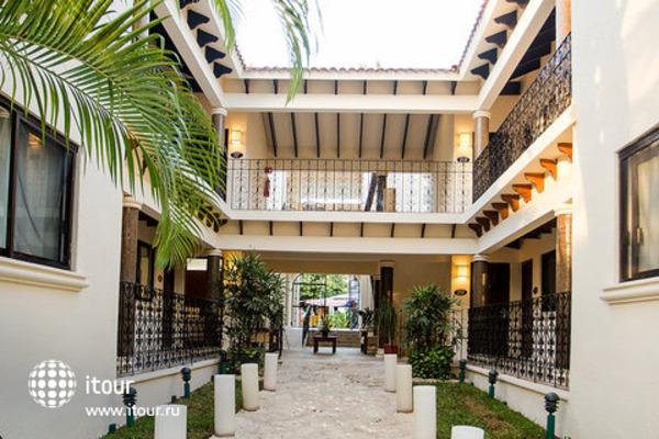 Nina Hotel & Beach Club 1