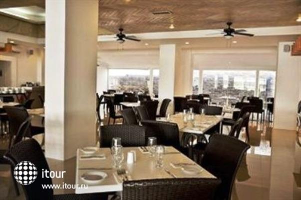 Q-bay Hotel & Suites 5