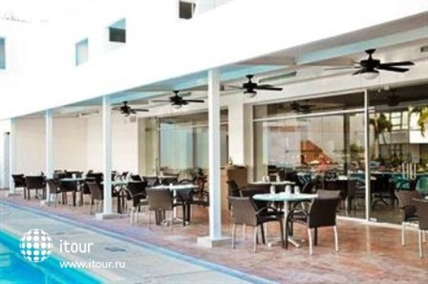Q-bay Hotel & Suites 6