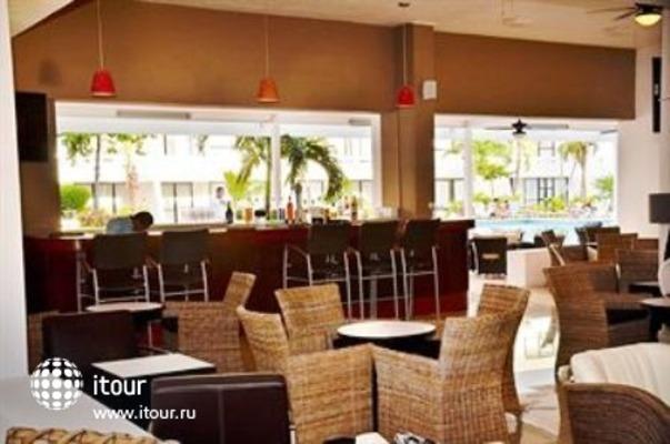 Q-bay Hotel & Suites 3